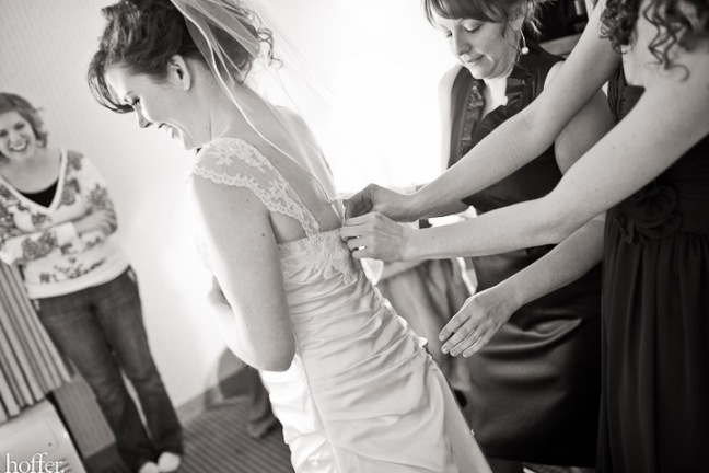 Erika-Lenzi-wedding-getting-ready