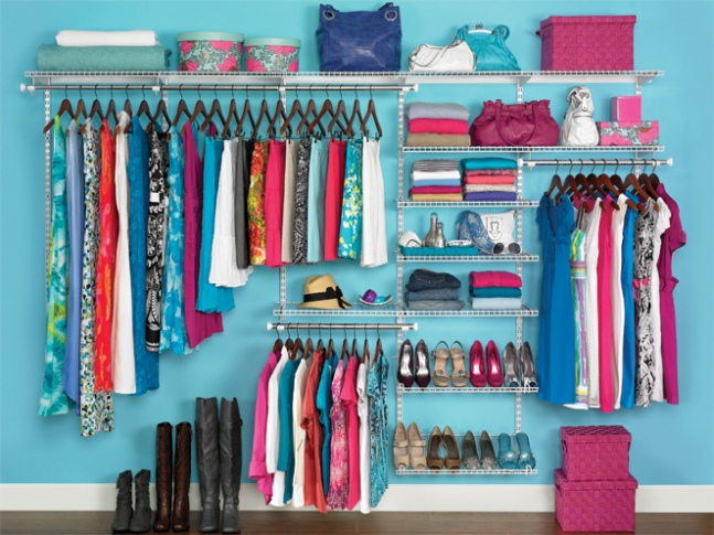 This is sadly NOT what my closet looks like. <br> Image from Creative Commons: Rubbermaid